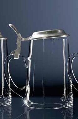 Bierglas mit Flachdeckel